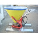 Hydraulisch aangedreven zoutstrooier